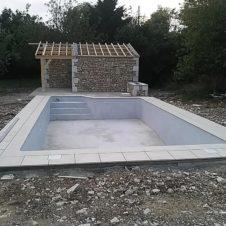 Maçonnerie Deves Frères - Piscine et pool house en pierre