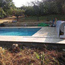 Maçonnerie Deves Frères - Construction d'une piscine et de ses abords