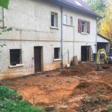 rénovation d'un garage, terrassement du chantier