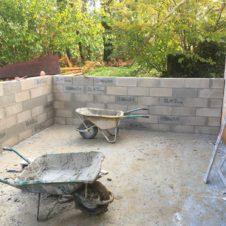 rénovation d'un garage, montage des murs