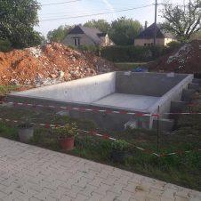 Piscine en cours de construction