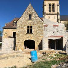 Un beau Projet : une façade rénovée, il reste des travaux à faire